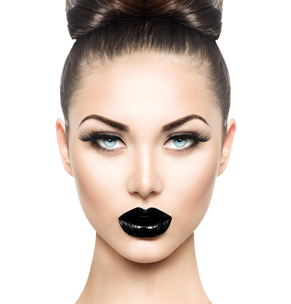 Model wears black lipstick