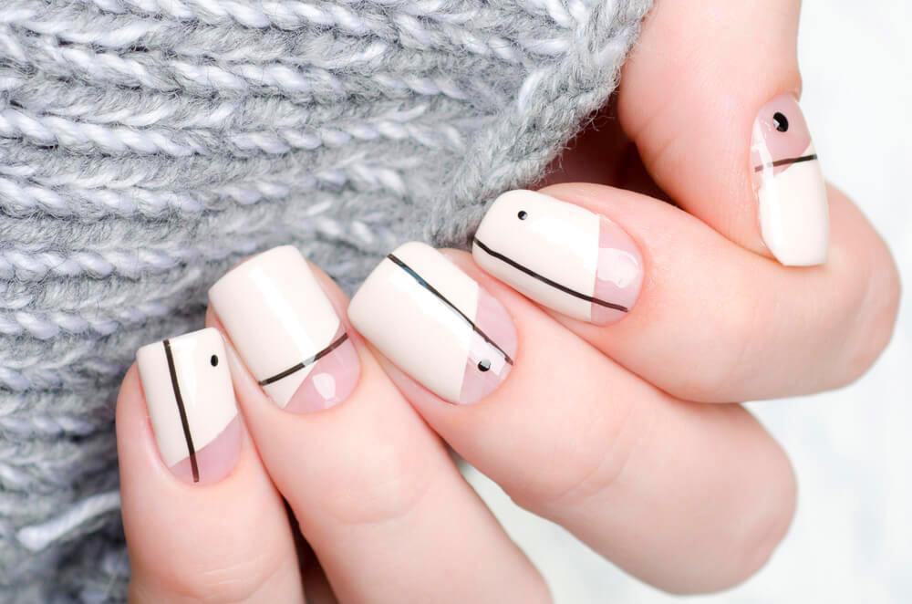 11 Elegant Black and White Nail Art to Try – AAD Blog