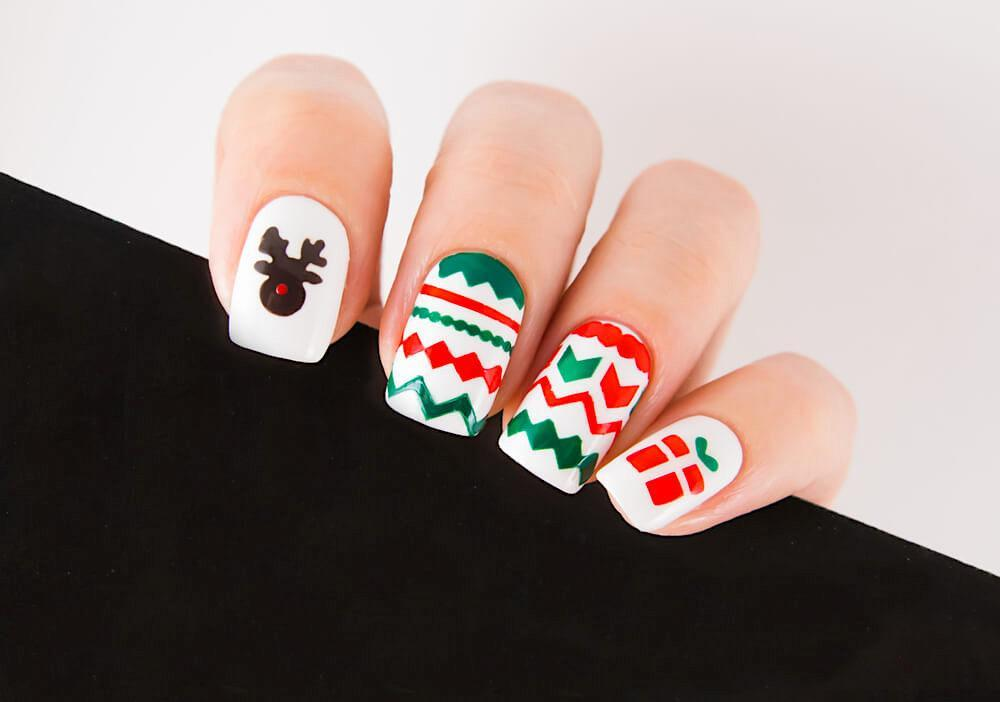Holiday-themed nail design