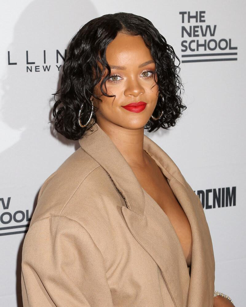 Rihanna wet hair look