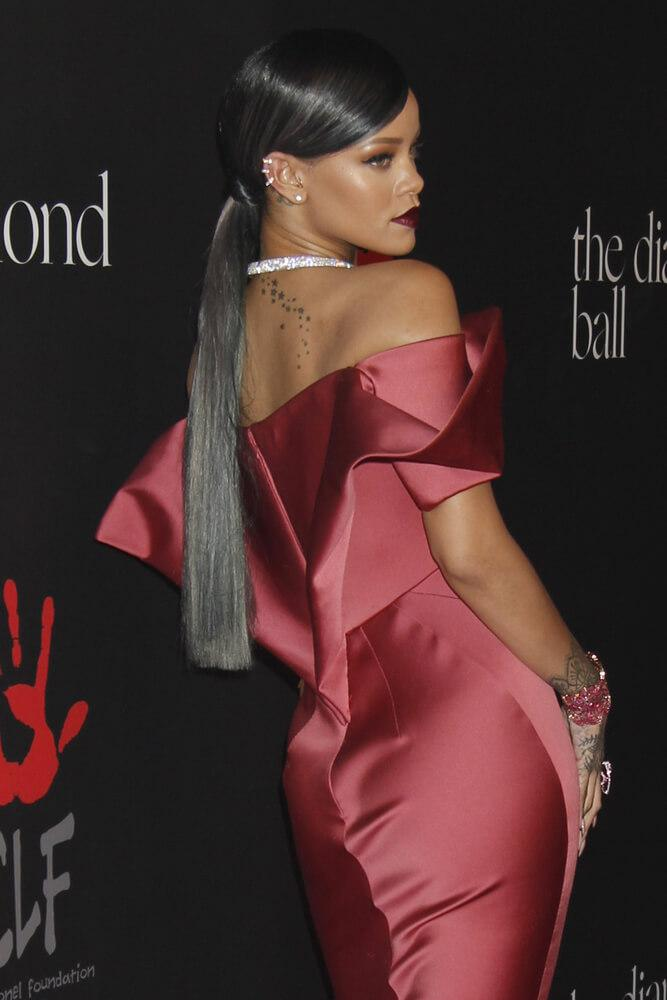 Rihanna sleek ponytail