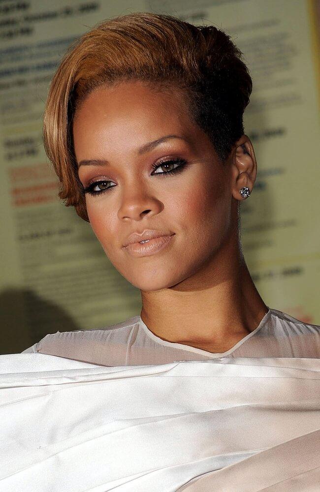 Rihanna blonde pompadour