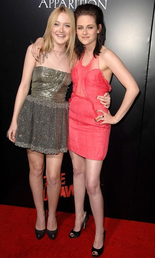 Dakota Fanning, Kristen Stewart at THE RUNAWAYS Premiere, Arclight Hollywood at Cinerama Dome, Los Angeles, CA March 11, 2010