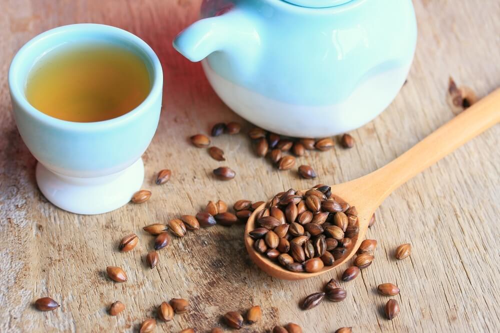 Barley tea with seeds