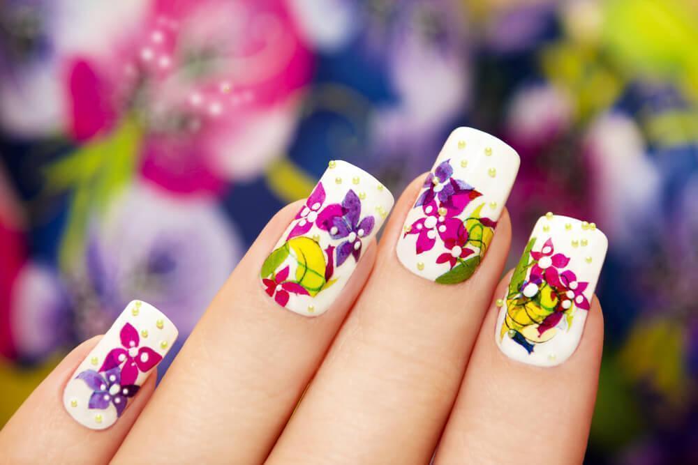 Bouquet nail manicure